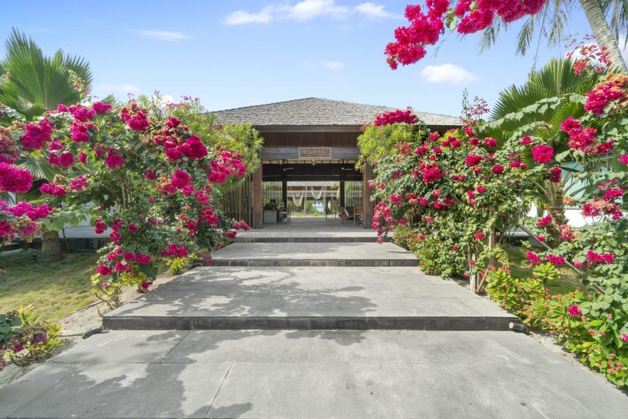 yoga retreat Maldives Package. Barefoot Eco Resort. Yoga Maldives Package