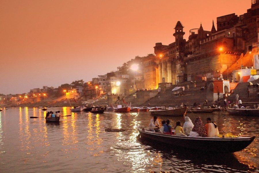 Varanasi Dawn boat ride MyHoliday2
