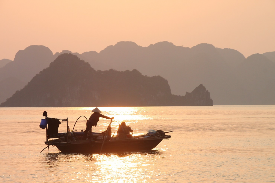 Vietnam holiday packages. Halong Bay Vietnam Tour